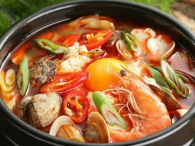 """Món lẩu Thái hải sản chua, cay """"nức tiếng"""" Đà Nẵng được các đầu bếp tại Ngọc Hương Seafood chế biến như thế nào?"""